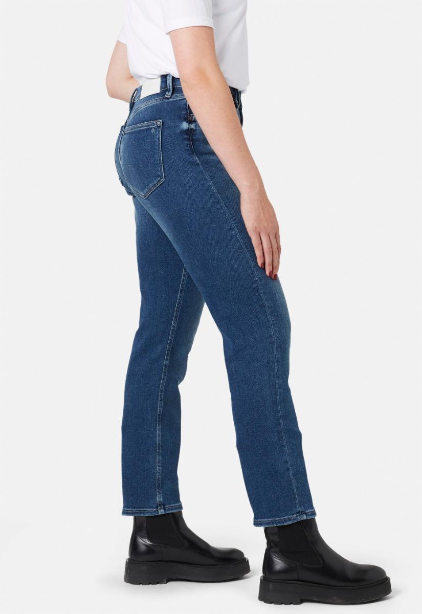 Silvercreek Cinna Girlfriend Slim Jeans